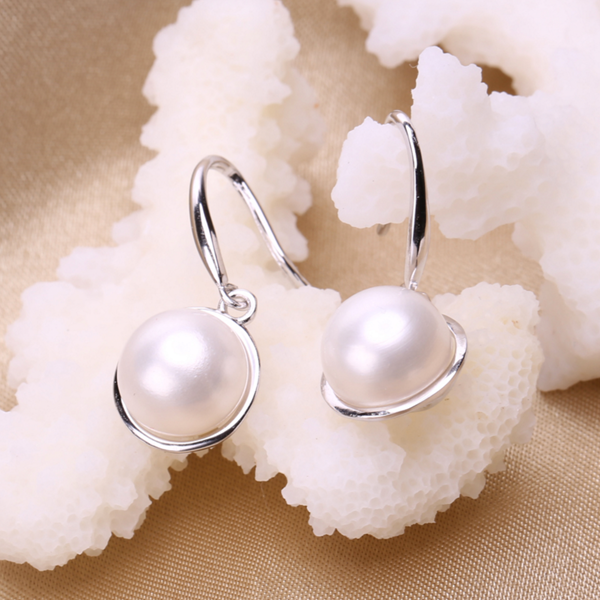 white pearls in sterling silver geometric shape