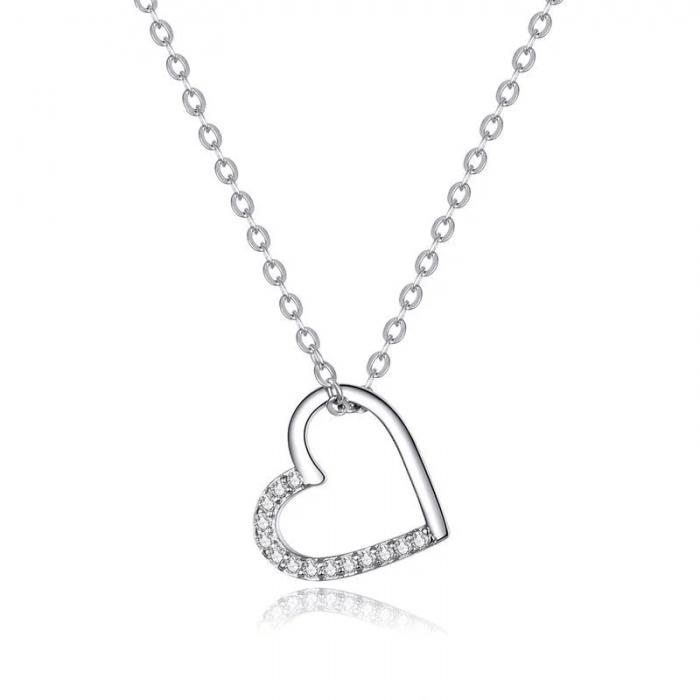 Shiny heart necklace