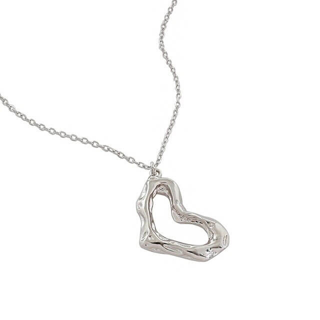 silver-arty-heart-necklace